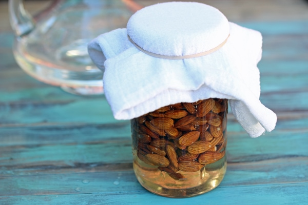 how-to-make-almond-milk-5